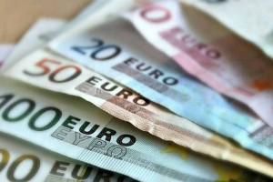 Το Υπουργείο Εργασίας προσφέρει 70 εκατ. ευρώ! Δείτε σε ποιους τα δίνει!