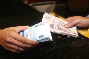 Πόσο αξίζουν πραγματικά τα 50€ σήμερα και τι μπορούσες να αγοράσεις 20,30 και 40 χρόνια πριν με τα ίδια λεφτά αντί για δραχμές!
