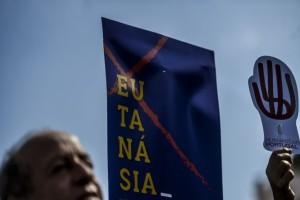 Πορτογαλία: Νομιμοποιεί την ευθανασία!