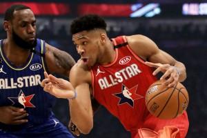 NBA All Star Game 2020: Ο Γιάννης Αντετοκούνμπο «σκέπασε» τον ΛεΜπρόν Τζέιμς αλλά ηττήθηκε! (videos)