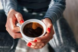 12+1 χρήσεις του καφέ που θα σας «λύσουν τα χέρια» (Video)