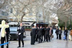 Κώστας Βουτσάς: Δείτε τις πρώτες εικόνες από το λαϊκό προσκύνημα