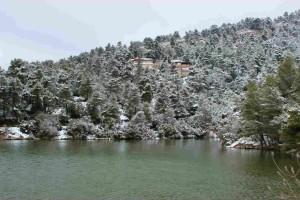 Η φωτογραφία της ημέρας: Καλημέρα από την χιονισμένη λίμνη Μπελέτσι!