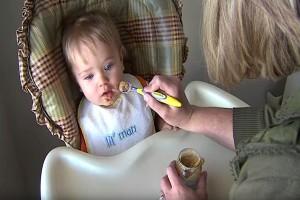 Έχασε το φως της ένα χρόνο μετά από τον γάμο της...Όταν πάει να ταΐσει το μωρό της θα συγκινηθείτε!