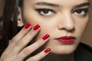 Τι λέει το χρώμα που βάφεις τα νύχια σου για τον χαρακτήρα σου;