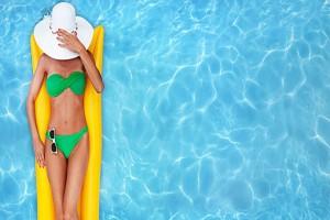 Έκανε αμέριμνη μπάνιο στην πισίνα ενός ξενοδοχείου. Αυτό που έγινε λίγα δευτερόλεπτα μετά θα σας κόψει την ανάσα!