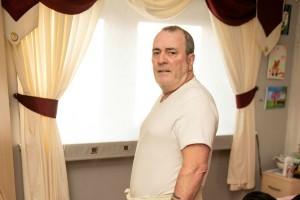 Αδιανόητο! Αυτός ο 57χρονος άνδρας έκανε χειρουργείο και χρειάστηκε δεύτερο! Δεν ήθελε να ντύνεται μπροστά στην κόρη του γιατί...