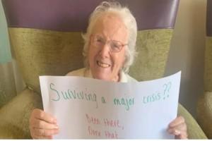Γιαγιά 108 χρονών δίνει συμβουλές για το πώς να αντιμετωπίσετε τον κορωνοϊό
