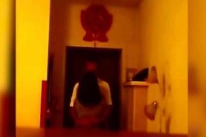 Για λύπηση: Αυτός ο άντρας ξέχασε να κλείσει την κρυφή κάμερα την πιο ακατάλληλη ώρα - Δεν φαντάζεστε πιο είδε μετά το βίντεο...