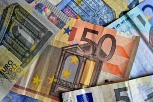 Τα «sos» των αιτήσεων επιχειρήσεων-επαγγελματιών-εργαζομένων για το επίδομα των 800 ευρώ (Video)