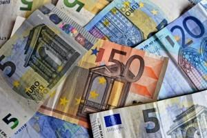 Κορωνοϊός: Άνοιξε η πλατφόρμα για τα 800 ευρώ