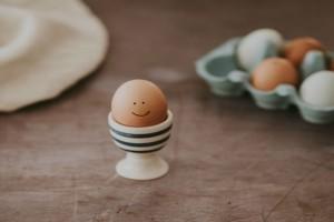 Κάντε αυτό το κόλπο για να καταλάβετε αν τα αυγά σας είναι φρέσκα!