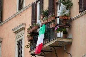 Κορωνοϊός Ιταλία: Παράταση στα μέτρα και την απαγόρευση κυκλοφορίας