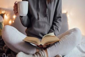#Μένουμε_σπίτι και διαβάζουμε τα 4+1 καλύτερα βιβλία που μόλις κυκλοφόρησαν!