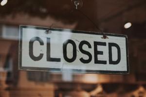 Κορωνοϊός: Η λίστα με όλα τα καταστήματα που κλείνουν σήμερα, Τετάρτη