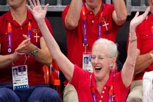 Ακάθεκτοι οι Δανοί παρά τον κορωνοϊό: Θα βγουν στα μπαλκόνια και τους δρόμους… για τη Βασίλισσα Μαργαρίτα!