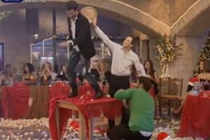 """Το """"τρελό"""" ζεϊμπέκικο γνωστού ηθοποιού πάνω στα τραπέζια!"""