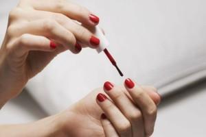 5+1 λάθη που κάνεις και καταστρέφουν τα νύχια σου!