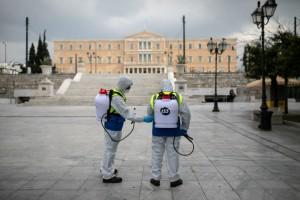 Bloomberg: Εκπληκτική η στάση της Ελλάδας απέναντι στον κορωνοϊό