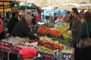 Κορωνοϊός: Στο ΣτΕ για τις λαϊκές η Πανελλήνια Ομοσπονδία Συλλόγων Παραγωγών