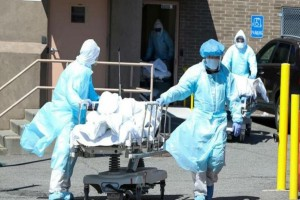 """Κορωνοϊός: Νούμερα που """"κόβουν την ανάσα"""" - Πάνω από 90.000 οι νεκροί παγκοσμίως"""