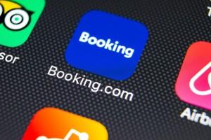 Βόμβα από την Booking: Αλλάζει την πολιτική ακυρώσεων από σήμερα