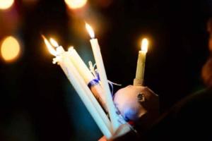 Κορωνοϊός:  Θα έρθει τελικά το Άγιο Φως στην Ελλάδα;