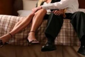 """31χρονη Έλενα: """"Τα έχω με τον άνδρα της κολλητής μου. Για να την κάνω να χωρίσει, της γνώρισα κάποιον άλλο"""""""