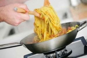 Έτσι θα καταφέρετε να μαγειρέψετε τα μακαρόνια σας σε 60 δευτερόλεπτα