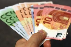 Ανατροπή με το επίδομα των 800 ευρώ