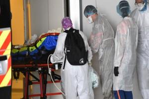 Αγωνία στην Γαλλία - Ακόμα 833 νεκροί από κορωνοϊό