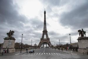 Απίστευτο: Τι χρειάζεται να βγάλεις πλέον για να ταξιδέψεις στην Γαλλία;