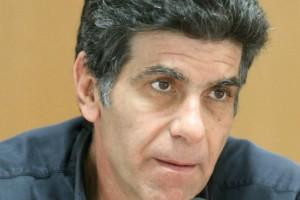 Γιάννης Μπέζος: Στο πλευρό κορυφαίας Ελληνίδας ηθοποιού
