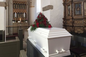 Κορωνοϊός: Δεν είχε συμπτώματα, πήγε σε κηδεία και προκάλεσε τον θάνατο... τριών ανθρώπων