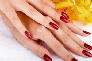 Νύχια-Σελάκ: Πώς να το αφαιρέσεις μόνη σου -  Το «κλειδί» με το αλουμινόχαρτο