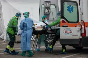 936 νεκροί σε ένα 24ωρο - Αρνητικό «ρεκόρ» θανάτων στη Βρετανία από τον κορωνοϊό