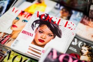 Λευκό εξώφυλλο στην Ιταλική Vogue προς ένδειξη σεβασμού, συμπαράστασης και πένθους