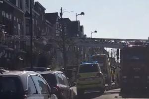 Κορωνοϊός: Απίστευτο - Έβγαλαν κρούσμα με... γερανό για να μην μολύνει το κτήριο