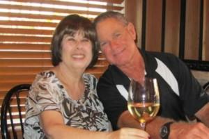51 χρόνια γάμου «τελειώσαν» με διαφορά μόλις έξι λεπτών - Ζευγάρι έφυγε από τη ζωή χτυπημένο από τον κορωνοϊό (Video)