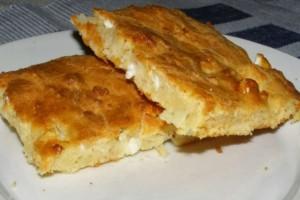 Η πιο εύκολη τυρόπιτα με γιαούρτι - Είναι έτοιμη σε 9 λεπτά και έχει λίγες θερμίδες