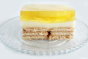 Καλοκαιρινή απόλαυση: Φτιάξτε γλυκό ψυγείου με ανανά