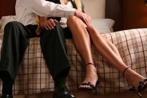 """37χρονη Σία: """"Ο άντρας μου με απατά με μια φοιτήτρια. Θα τα πω όλα στους γονείς της"""""""