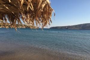 Οι 10+1 πιο όμορφες και ελεύθερες παραλίες στην Αττική