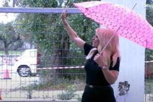 Ελένη Μενεγάκη: Εγκατέλειψε την εκπομπή και βγήκε έξω - Τι συνέβη;