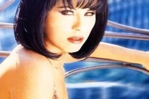 Θυμάστε την Ελίνα Κωνσταντοπούλου; Παράτησε το τραγούδι και άνοιξε τυροπιτάδικο - Το πρόσωπό της είναι αγνώριστο