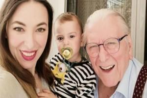 Υπέροχο: «Λιώσαμε» με το συγκινητικό βίντεο της Αλίκης Κατσαβού με τον γιο του Κώστα Βουτσά