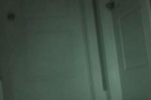 8χρονη παραπονιόταν ότι εξαφανίζονταν πράγματα από το δωμάτιό της - Οι γονείς έβαλαν κρυφή κάμερα και έπαθαν σοκ με αυτό που είδαν (Video)