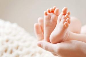 Αγωνία στη Λάρισα: Γεννήθηκε μωρό από μητέρα με κορωνοϊό