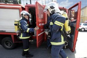 Σοκ στην Αθήνα: Ανασύρθηκε άνδρας που έπεσε σε ακάλυπτο
