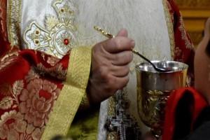 «Είναι σαν να λέτε ότι ένα ζευγάρι δε θα χωρίσει ποτέ...» - Τα φοβερά λόγια του ιερέα από την Κρήτη για τον κορωνοϊό και τη Θεία Κοινωνία